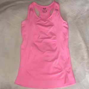 Fitted Workout tank top
